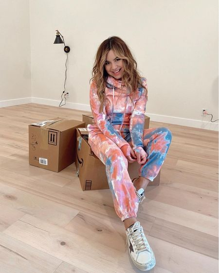Not the usual kinda unboxing but so excited to finally start organizing and settling in my new home.📦 I'm also so happy with how our floors turned out! Next up: kitchen🔨 #homerenovations #movingIN #tiedye #sweats #sweatset http://liketk.it/35slz #liketkit @liketoknow.it