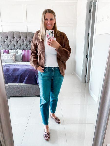 Fall outfit idea #cardigan #jeansoutfit #falloutfit  #LTKstyletip #LTKsalealert #LTKSeasonal