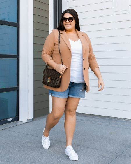 """My favorite staple blazer is on sale for 40% off today with code """"DAY2"""". I love the longer length! And it's such a versatile piece - I have paired with everything from shorts to jeans, dress pants, skirts and dresses too! Outfit linked in my bio or you can take a screenshot and head to the @shop.LTK app.    #LTKsalealert #LTKunder100 #LTKcurves"""