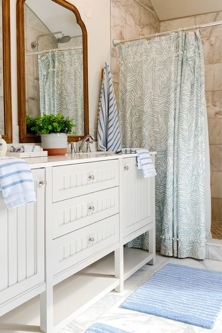 Blue and white primary bathroom         #LTKhome