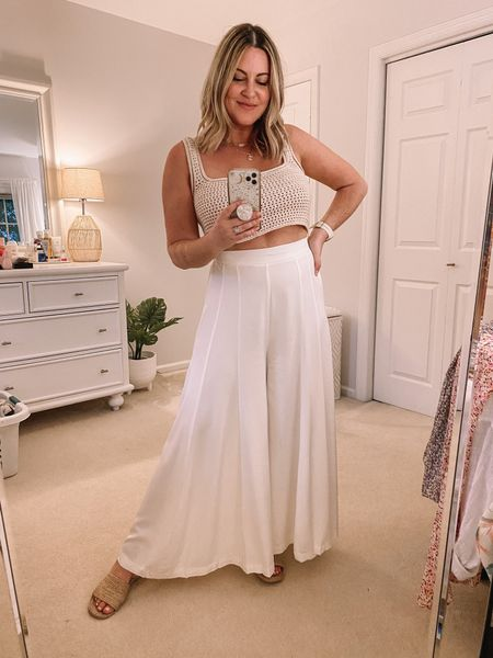 Summer white linen feel pants. Heads up they are a bit sheer but nude underwear is totally fine with them!!   Linen pants, white pants, wide leg pants, pull on pants