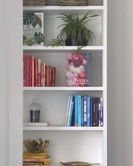 http://liketk.it/2P1q4 @liketoknow.it #liketkit #liketoknowithome @liketoknow.it.home #shelfie #books #cornersofmyhome #colourcoding