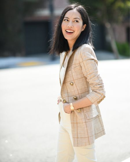 A camel plaid blazer is the perfect transitional outerwear 🙌🏼 Found some similar styles for less below!