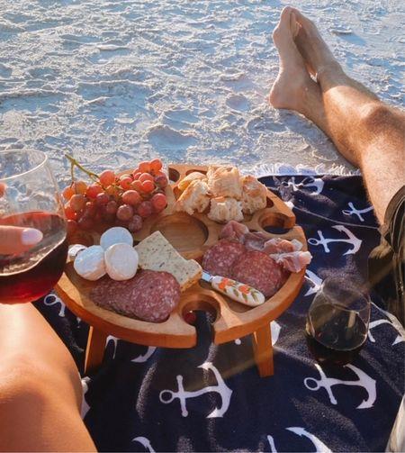 Charcuterie portable picnic table