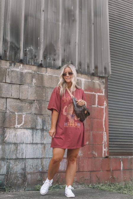 Only way you could make me love a graphic tee more is by making it into a t-shirt dress! Love the color and fit of this one for less than $50! Summer outfits, t shirt dresses, Converse http://liketk.it/3jeFt #liketkit @liketoknow.it   #LTKunder50 #LTKstyletip