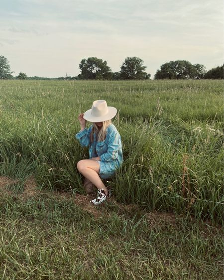 Friday night at the farm and of course went with denim on denim again but added some cow print http://liketk.it/2QOT3 #liketkit #LTKspring #LTKstyletip #LTKshoecrush @liketoknow.it