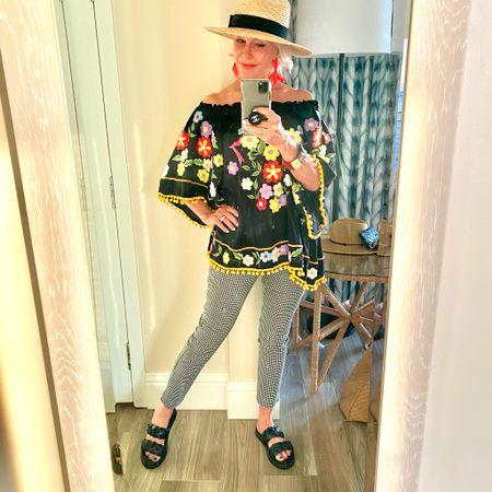 Island style @bostonproper @lovechicos #embroideredtop #floralembroidery #bostonproper#chicos #checkedpants #statementearrings #panamahat #resortwear