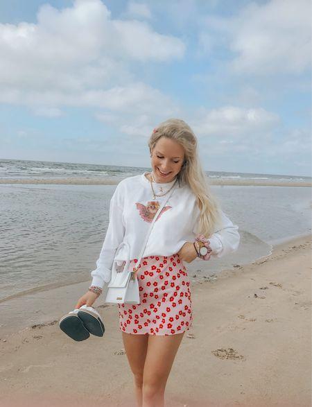 Beach day with my mom🦋  #LTKstyletip #LTKitbag #LTKeurope