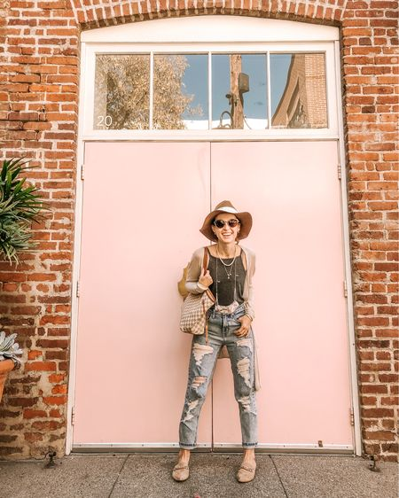 There are a few things I can't resist: a pink door, the perfect wash denim ($22!), and grey bodysuits. Okay, coffee too. But we were on our way to get coffee in this pic, so 🤷🏼♀️  . .  Shop my daily looks by following me on the LIKEtoKNOW.it shopping app http://liketk.it/31jdW #liketkit @liketoknow.it  #dailylook #denim #fallstyle