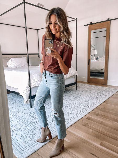 nsale tee size xs / size 25 in jeans