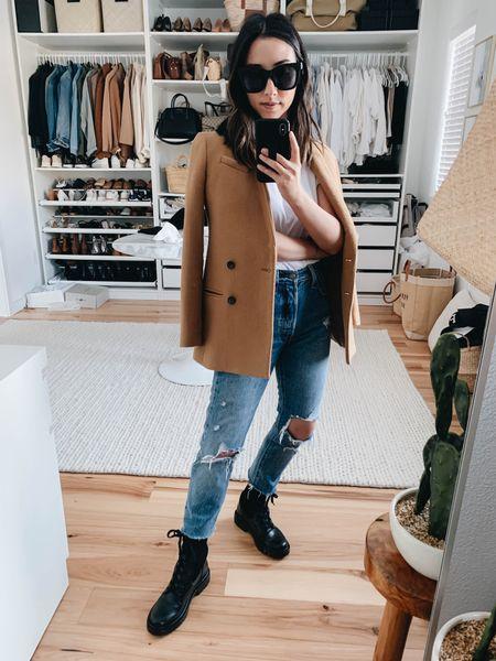How to style combat boots.   Blazer - Banana Republic peote xxs (old) Tee - Everlane xxs Jeans - Levi's 25 (old) Boots - Sam Edelman 5   http://liketk.it/37n3X #liketkit @liketoknow.it