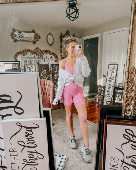 My day to day life in a photo 🤪💕 messy office full of orders (the most thankful) & dressed in a fun outfit just because it makes me happy ☺️💗  So many of you loved this pink workout set I shared over the weekend, I have been living in it! 💕 I've been working on some new projects today I'll be launching over the next month or so! I shared a sneak peek on stories, any guesses?! 🤗  Outfit is linked in LIKEtoKNOW.it! http://liketk.it/3dTj9 #liketkit @liketoknow.it