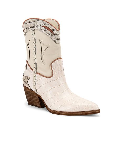In preparation for the upcoming country concert, found the cutest boots 😍 thought I would share since others might also be looking for some western boots 🥳 http://liketk.it/3j3Li #liketkit @liketoknow.it #ltkconcert  #LTKshoecrush #LTKstyletip