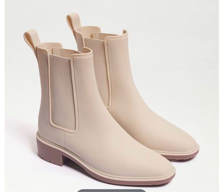 The absolute cutest rain boots ever! So chic!