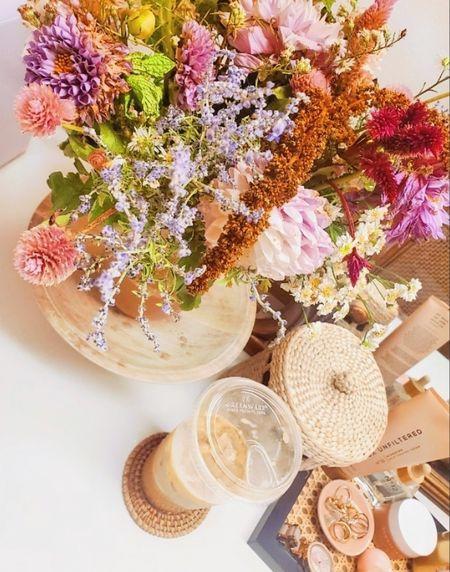 Fresh flowers & iced coffee while I get ready for the day👌💋  http://liketk.it/3pDmD @liketoknow.it @liketoknow.it.home #liketkit #LTKGiftGuide #LTKHoliday #LTKSeasonal #LTKbeauty #LTKhome #LTKitbag #LTKsalealert #LTKstyletip #LTKtravel #LTKunder50 #LTKunder100 #LTKworkwear