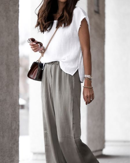 Summer outfit, wide leg pants, flowy top, sandals, beach outfit, brunch outfit, vacation style, tote bag, StylinbyAylin @liketoknow.it #liketkit http://liketk.it/3hjaC               #LTKstyletip #LTKunder100 #LTKtravel
