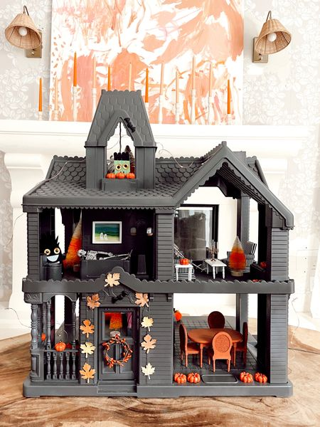 My home sweet haunted house 🏚️. I can't remember the last time I had this much fun with a DIY– it's equal parts spooky and cute! I spray painted a playhouse (garage sale find) and used items from @walmart's fall collection to decorate it— their monster craft kid is to die for 💀. I'm sharing a behind- the-scenes look in our story right now!
