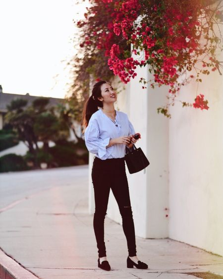 Found the prettiest flowers🌺 (oh, wearing the most comfortable jeans ever from @mottandbows! make this look yours👉🏻 http://liketk.it/2t3jT ) #liketkit @liketoknow.it