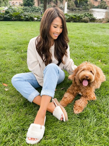 """Fuzz'n around San Francisco with Hudson is my favorite thing to do all summer. I'm wearing the @koolaburra Fuzz-ah sandal - a versatile comfy sandal that can be worn inside and out. All Koolaburra by Ugg fuzz sandals are currently 25% off for a limited time only! Check my stories and the Liketoknowit app for more details and to shop this look"""". #Fuzznaround #sponsored #koolaburrabyugg"""