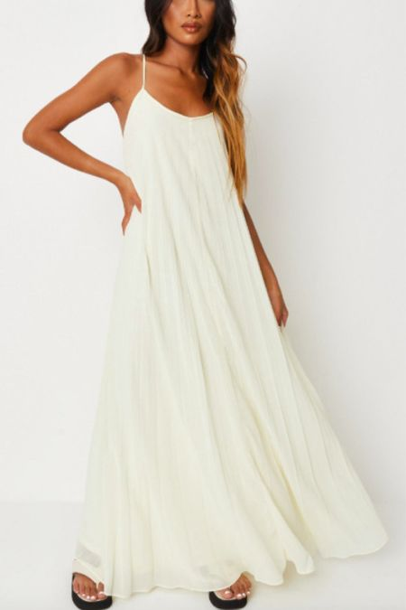 Beautiful summer maxi dresses for petite women. Perfect for all your summer events and occasions   #LTKwedding #LTKstyletip #LTKunder50