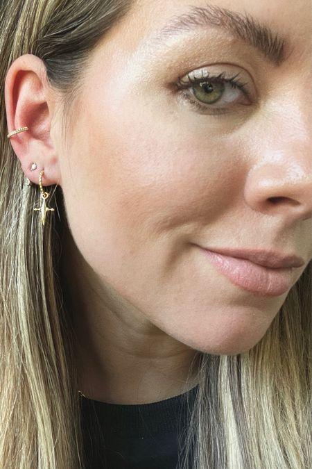 Cross earrings 🖤
