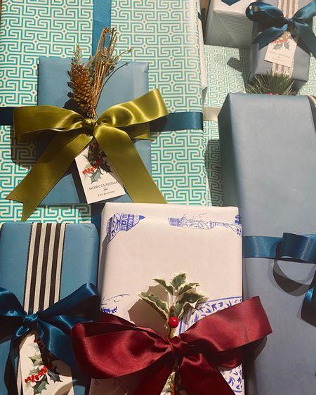 Christmas wrapping 2020! 🌲🎁 #LTKgiftspo #LTKunder100 #LTKunder50 http://liketk.it/34vQ9 #liketkit @liketoknow.it