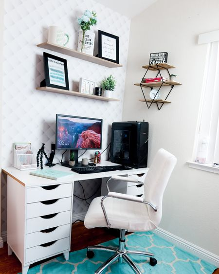 #bossmom office inspiration 😍  Download the LIKEtoKNOW.it app to shop this pic via screenshot   http://liketk.it/2PheP @liketoknow.it #liketkit #LTKunder50 #LTKunder100 #LTKhome
