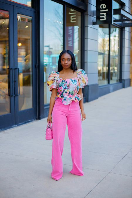 Giving you all types of spring vibes today. New look on the blog 🌸  . .  #liketkit http://liketk.it/3bDkQ #ootd #springlooks @liketoknow.it  #floral