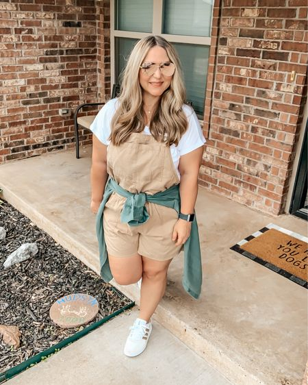 Top: size xl tts Overalls: size xl tts (could have done a large) Shoes:size down 1/2 size @liketoknow.it #liketkit http://liketk.it/3gcGE #LTKcurves #LTKunder50 #LTKstyletip