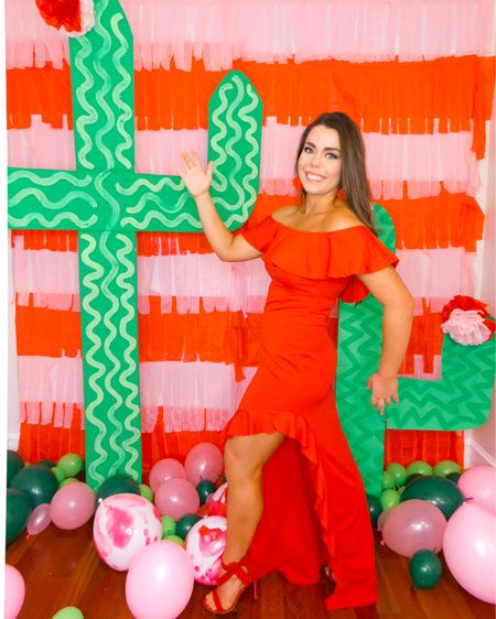 💃🏻💃🏻💃🏻WELCOME TO MY BIRTHDAY PARTY AMIGOS it's VIENTEcinco DE MAYO!!! My birthday is on Cinco de Mayo so for as long as I can remember I've had a FIESTA!!👠🥰🌶 Stay tuned this week for all things spicy, sassy, Mexican and (of course) PINK!!💕💕💕 . . . . #houston #houstonblogger #abmlifeiscolorful #pursuepretty #partyblogger #partyinspo #partyblogger #paperflowers #partystylist #partydesigner #partydecor #cincodemayo #ihavethisthingwithpink #vientecinco http://liketk.it/2BuLR #liketkit @liketoknow.it