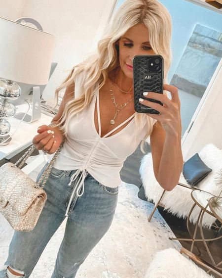 Loving this under $30 summer top! It's so budget friendly and chic. It runs true to size I'm wearing an XS @liketoknow.it #liketkit http://liketk.it/3g2ZJ #LTKunder50 #LTKunder100 #LTKstyletip Shop my daily looks by following me on the LIKEtoKNOW.it shopping app http://liketk.it/3gk3b http://liketk.it/3hgk1