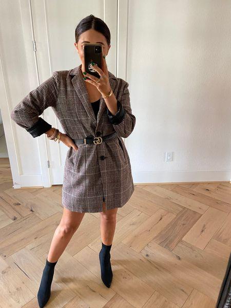 Size: medium Obsessed with this oversized Amazon blazer!!  #LTKSeasonal #LTKstyletip #LTKfit