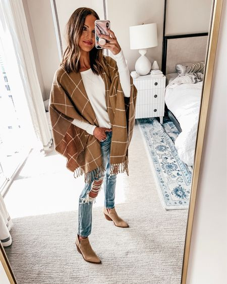 love this poncho for fall! comes in lots of colors! 💛 @liketoknow.it http://liketk.it/2F0Uq #liketkit #LTKunder100 #LTKunder50