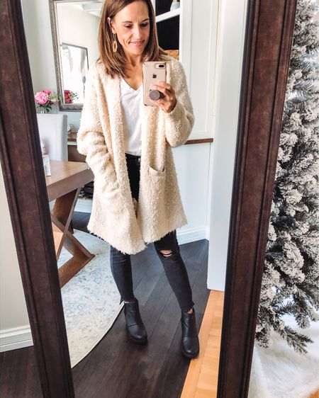 So excited that Kate received her @nuuly clothes because I grabbed this cardigan immediately -it's only 16 degrees here today! ❄️🥶 It is sooooo warm and adorable -the brand is @freepeople 🙌🏻❤️Drop a heart if it's cold where you are ❤️Stay warm today friends 🔥 Shop my daily looks by following me on the LIKEtoKNOW.it shopping app http://liketk.it/2GOTV #liketkit @liketoknow.it  . . . .  #MyNuuly #Nuuly #Nuulystyle #nuulyfashion #fashion #fashionblogger #fashionlove #lovefashion #lovenuuly #lifestyleblog #lifestyleblogger #fashiongram #fashionlovers #fashioninstas #bloggers #welovetoblog #fashionpost #fashionable #bloggingbabes #fashionover40 #over40fashion #lifestyleblog #momdaughterblog #motherdaughterblog #momdaughterduo #motherdaughterduo