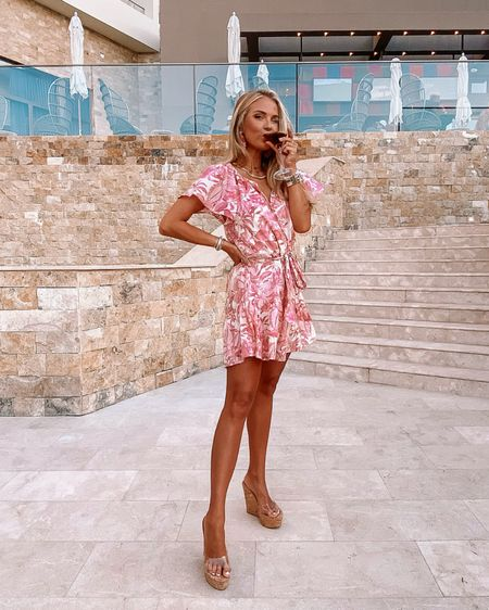 mexico martinis… Shea-ken, not stirred 🍸🌸 swipe to see moments after the restaurant window get a little dinner AND a show on this extra windy evening 🤦🏼♀️ linked this dress, heels & accessories on my #liketkit for yall!! 💗💨 @liketoknow.it #LTKtravel #LTKshoecrush #LTKunder50 http://liketk.it/3k7eE