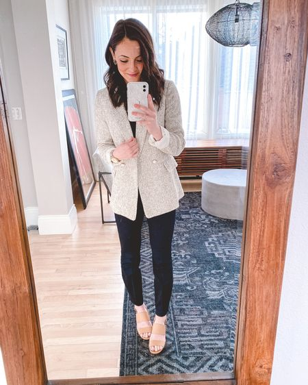 This blazer is the perfect workwear piece for spring and will sell out fast!!! It's this gorgeous tan and white textured fabric and has these beautiful and feminine pearl buttons on the front. It's a boyfriend fit and does run big...im wearing an XXS for reference so I'd suggest sizing down at least one size. Paired it with my new favorite dress pants...they are elastic in the back!! It's like leggings but professional and they are true dress pants material.   Blazer: XXS Pants: 2 Heels: 6   http://liketk.it/2L2zJ #liketkit @liketoknow.it #LTKworkwear #LTKunder50 #LTKstyletip #ltkspring #springworkwear #springblazer #blackdresspants #hm