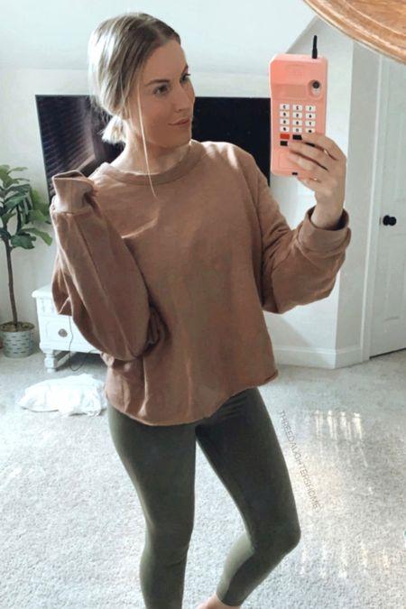 sweatshirt, fall sweatshirt, casual wear, universal thread, lululemon dupe, leggings   #LTKstyletip #LTKunder50 #LTKSeasonal