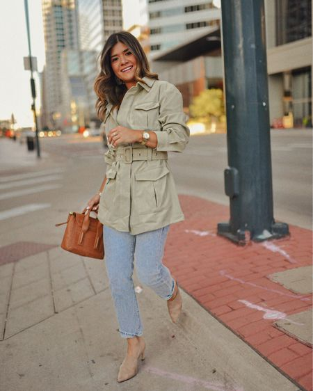 Strutting into Monday like 💁🏻♀️ http://liketk.it/2EYCV #liketkit @liketoknow.it #LTKunder100 #LTKunder50 #LTKshoecrush #LTKitbag #LTKstyletip business casual look, utility jacket, straight leg jeans, nude mules, high waisted jeans, high raise jeans, high waist jeans, fall outfits, fall casual look, olive green jacket