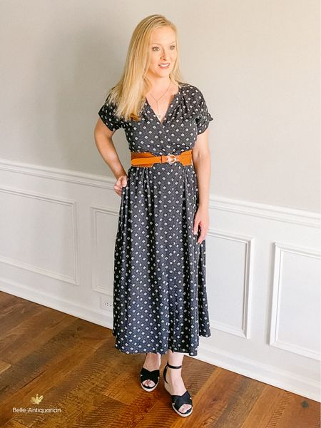 """I'm wearing a 4P. I'm 5'4"""" for reference. Functional buttons and pockets. Size down if you have a smaller chest. Comes with a matching removable belt. I think this is the perfect traveling dress. Roll it up correctly, and you can just pull it out of your suitcase and throw it on. Especially great if you're using a traveling capsule wardrobe. Try using code SUNNY for 40% off the belt and dress.  Follow me on LIKEtoKNOW.it for more deals and dupes! @BelleAntiquarian   #LTKtravel #LTKunder100 #LTKworkwear"""