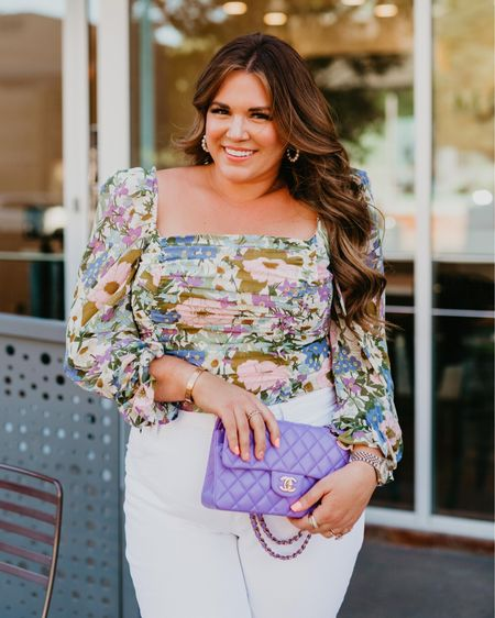 curvy date night floral top + white jeans 💜 wearing size xl in top and size 32 in jeans! http://liketk.it/3h9js #liketkit @liketoknow.it #LTKcurves #LTKunder100