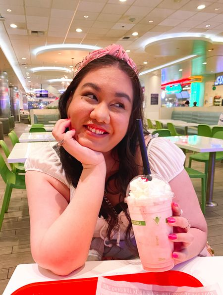 My milkshake brings…🥤Come on, I mean I had to use that as the opening caption! 😂 I love these set of pictures I took when I visited Las Vegas over the summer. All I wanted after winning some money at the slots was a milkshake and I treated myself! 🎰💰 I mean who can't resist a strawberry milkshake? 🍓🍨 Such happy times I look back on that's why I had to share here on the gram! 😊📷 What's your favorite flavor and what's the first thing you would buy with your winnings? 🤔  #LTKcurves #LTKbeauty