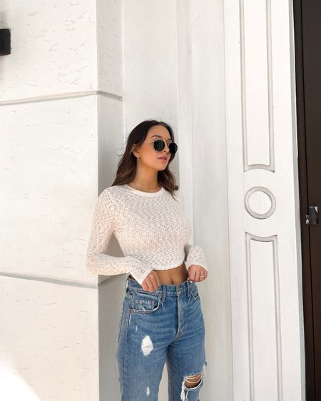 Cutest top from @windsorstore and my fav jeans from @grlfrnd ✨ Linked on @liketoknow.it #liketkit http://liketk.it/3b4P8 #windsorambassador #windsor #grlfrnd