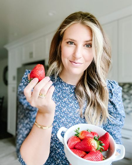 🍓 springtime sunshine & strawberries call for fruity cocktails & florals 💙   Sharing my strawberry lemonade cocktail recipe in stories! It's. So. Good. 🍓    Download the LIKEtoKNOW.it shopping app to shop this pic via screenshot http://liketk.it/3c9mu @liketoknow.it @liketoknow.it.family @liketoknow.it.home #liketkit #LTKhome #LTKfamily #LTKSpringSale