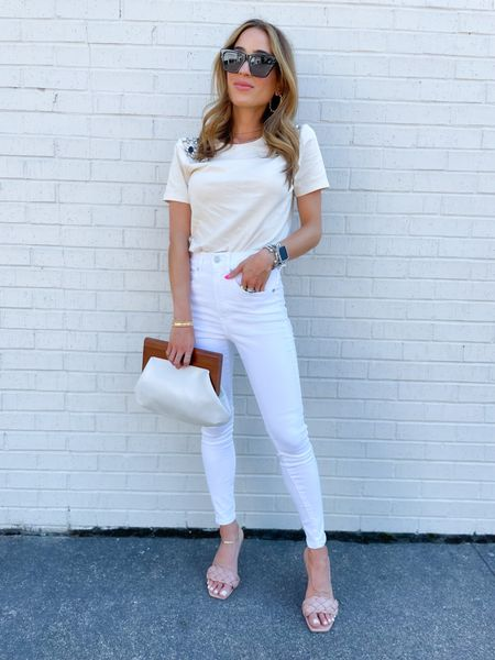 Top on sale size Xs, white jeans on sale size 00 short    #LTKunder50 #LTKunder100 #LTKsalealert
