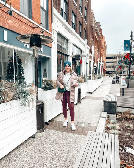 Downtown vibes. Shop your screenshot of this pic with the LIKEtoKNOW.it shopping app http://liketk.it/34qqw #liketkit @liketoknow.it #LTKstyletip #LTKfit #LTKworkwear