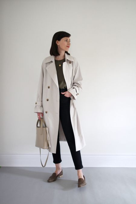 A recent look form the Style Journal.   Trench - Uniqlo (sold out but waitlist open) Tee - Jenni Kayne (colour sold out but other options in stock) - Use LEE15 for 15% Off anytime.  Jeans / Bag / Loafers - all old Everlane