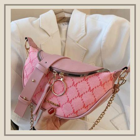 Graphic chain shoulder purse   #LTKunder50 #LTKitbag #LTKstyletip