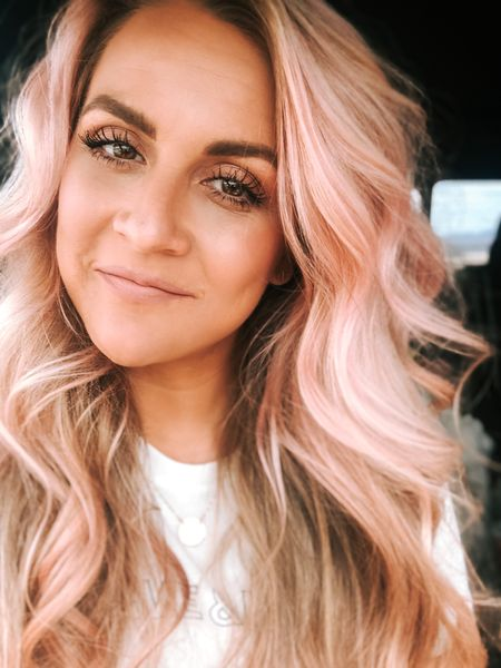 Soooo I did a thing!!!! Rose gold hair for the win!!! I'm in love with how it turned out! It's a tint so it'll fade soon so don't freak out! 💕 If you guys try this at home please tag me on instagram @jasmineraehairco so I can see!!     Follow me on the LIKEtoKNOW.it shopping app to get the product details for this look and others  #liketkit @liketoknow.it http://liketk.it/2NTPd #StayHomeWithLTK #LTKMothersDay #LTKbeauty
