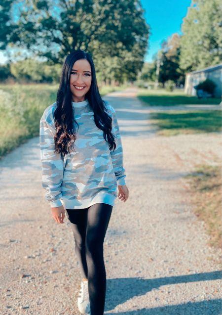 Sweatshirt Szn ✌🏼  #LTKstyletip #LTKunder50 #LTKfit