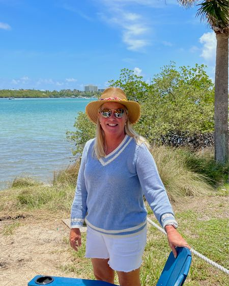 Are you ready for a trip?? I love this lightweight linen sweater! Vacation Outfit inspiration! Beach Bar approved #LTKtravel http://liketk.it/3gWI9 #liketkit @liketoknow.it
